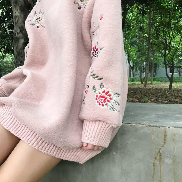 itGirl Shop SOFT FLUFFY FLOWERS EMBROINDERY LONG SLEEVE OVERSIZED SWEATSHIRT