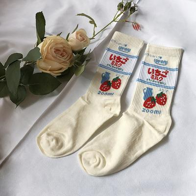 itGirl Shop SWEET MOON STRAWBERRY EMBROIDERY COTTON SOCKS