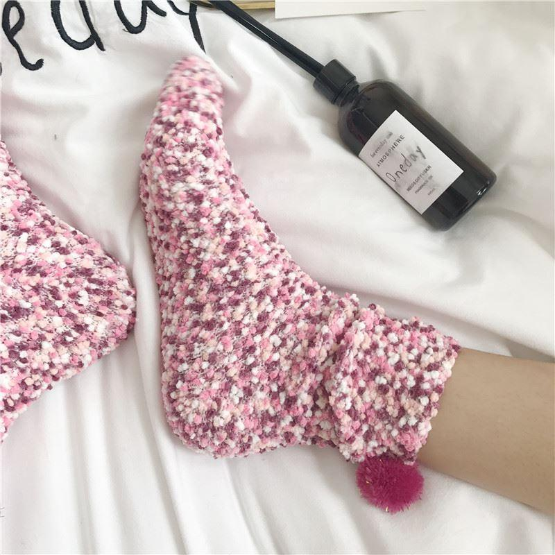 itGirl Shop WARM COZY PLUSH KNIT BALLS ANKLE WINTER SOCKS