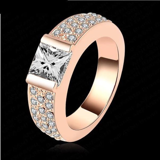 Beautiful Engagement and wedding Ring - Size 6 to 9 - Owame