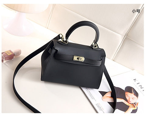 2018 Ladies Bag with Matte Grit Lock Buckle  Women Bag Handheld Single Shoulder Skew Satchel Damp Silicone Bag
