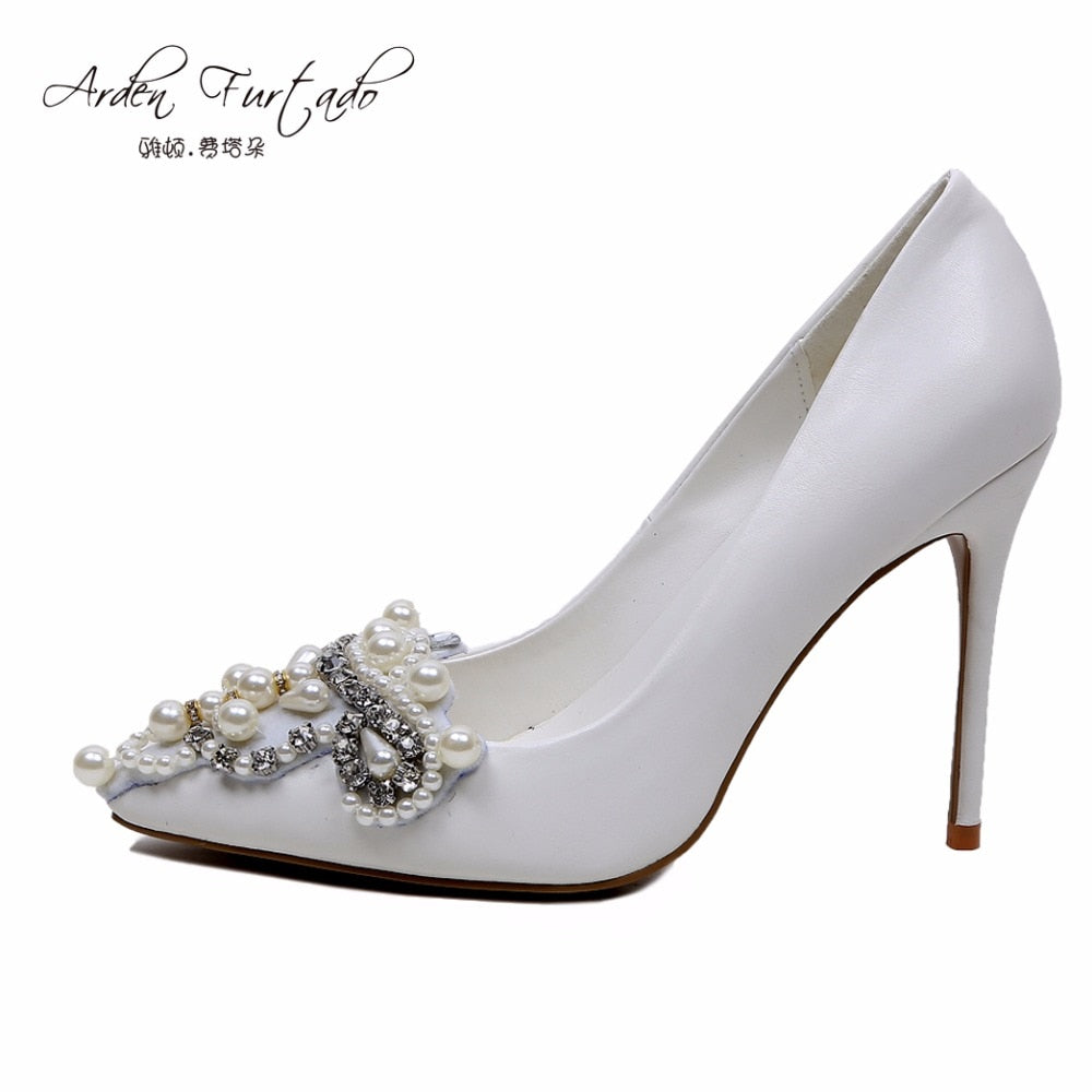 2ac666b75904 WEDDING SHOE – Owame