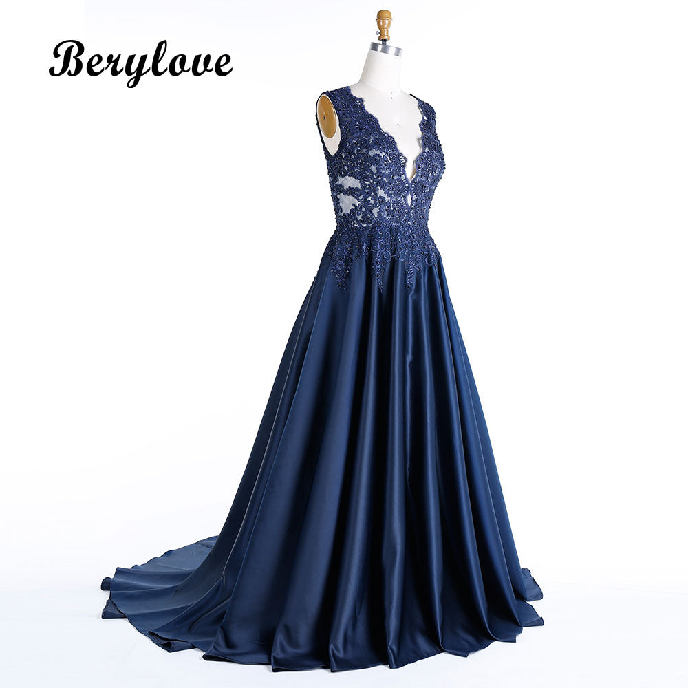 ... BeryLove Morden Dark Navy Blue Plus Size Evening Dresses 2018 Deep V  Neck Beaded Lace Prom 380e6d60d136