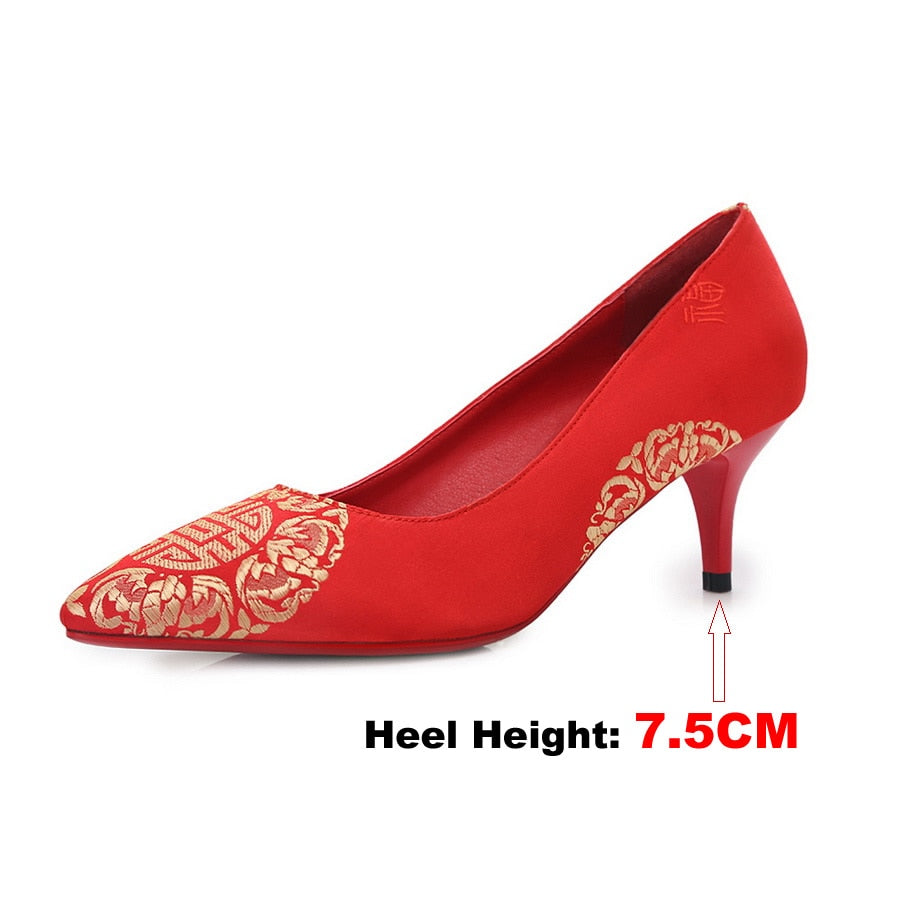 e2097c5b7807 ... EVCHAR Chinese style wedding shoes embroidered silk fashion elegant  comfortable pointed toe red party woman pumps ...