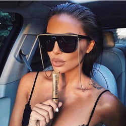 Gold chain flat top sunglasses women fashion designer oversize black sunglasses lady celebrity vintage shaped Sun Glasses Female