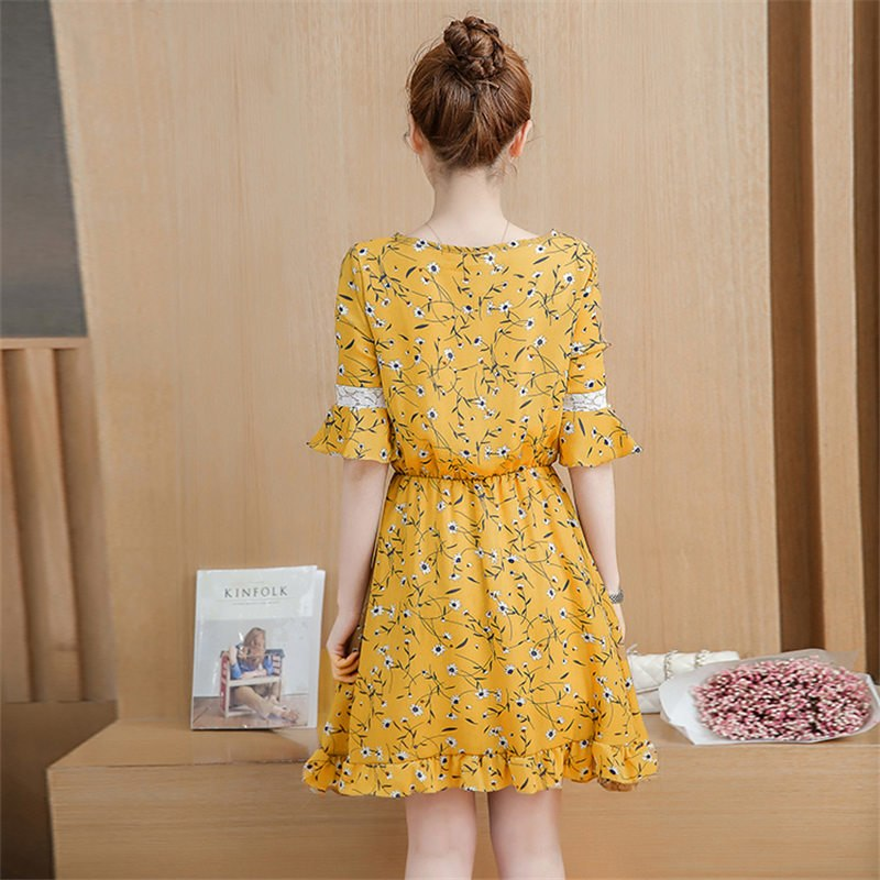 206c3a296e5 Plus Size 2018 Summer New Women Lotus Leaf Loose Floral Chiffon Dress  Vintage Half Sleeve Dresses. Hover to zoom