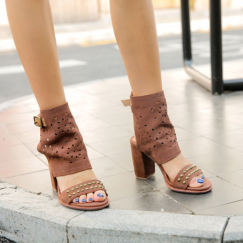 aceca87eeea ... Prova Perfetto Hollow Out Ladies Gladiator Sandals Women Platform Pumps  Rivets Chunky High Heel Shoes Woman ...