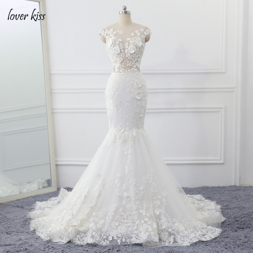 ... Lover Kiss Wedding Dress 2018 Vintage Mermaid Lace Appliques Bead Robe  de Mariage Sexy Back Bride ... b59c9d1be477