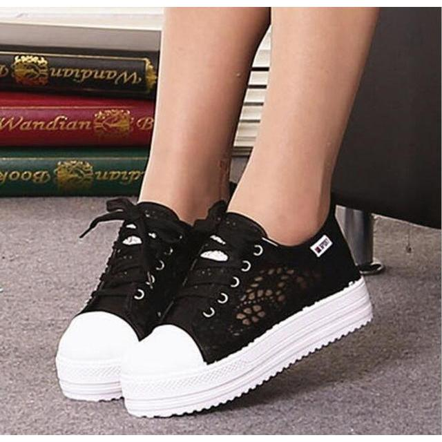 2017 New Lace Canvas Shoes Woman Casual Shoes Hollow Floral Print Breathable Platform Women Shoes