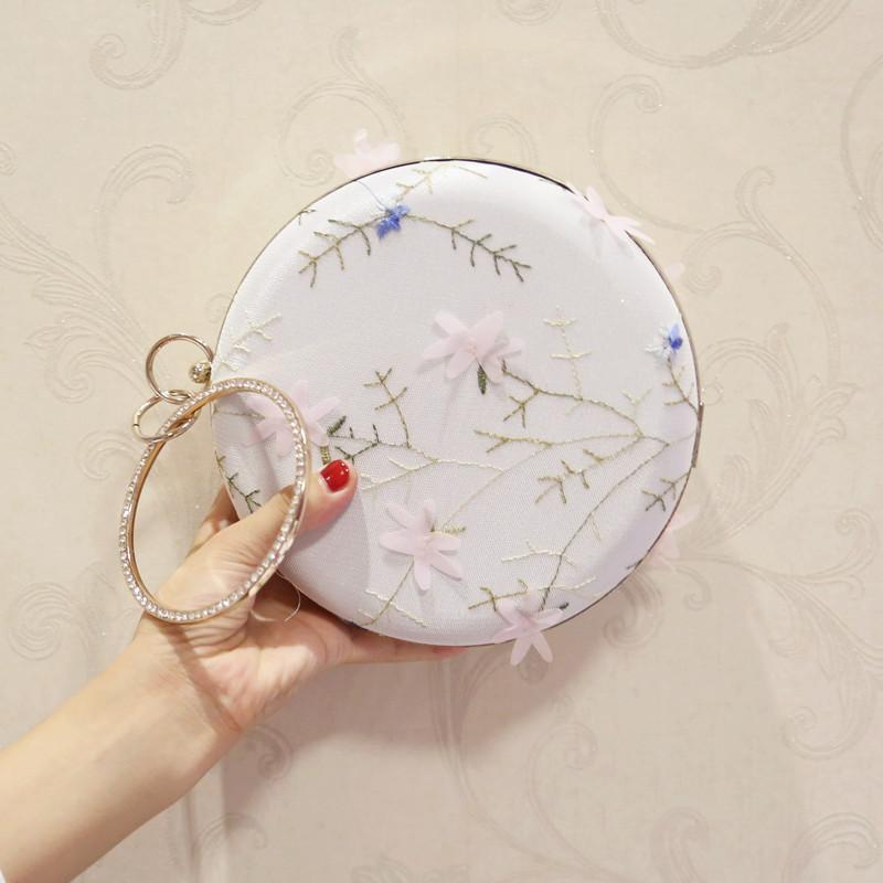 2017 Fashion evening clutch bag version of the round diamond flower dinner banquet female bag chain shoulder Messenger mini bag