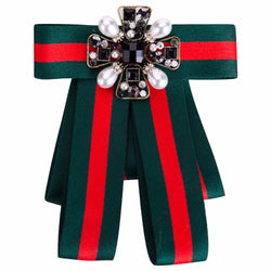 Qiaose New Fashion Wide Red Green Cloth Bowknot Brooches for Women Clip Up Pins Crystal Gems Bowknot Collar Charm Party Jewelry