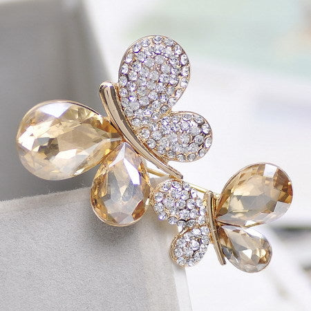 Min. order 9usd(can mix) Light champagne upscale retro female butterfly brooch Korea Korean jewelry