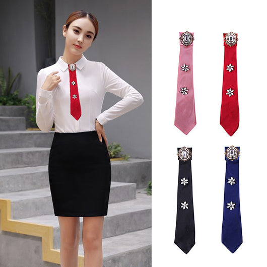Wholesale 5 Pcs 2018 New Cute Long Pearl Bow Tie Buckle Ribbon Fabric Brooches Collar Crystal Beaded Neck Ties Brooch Pin Women
