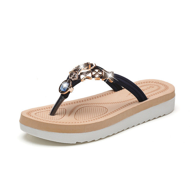... 2018 Summer Style Simple Designer Flip Flops Beach Slippers Casual  Sandals Women Crystal String Bead Slippers aff6c46e7c2c