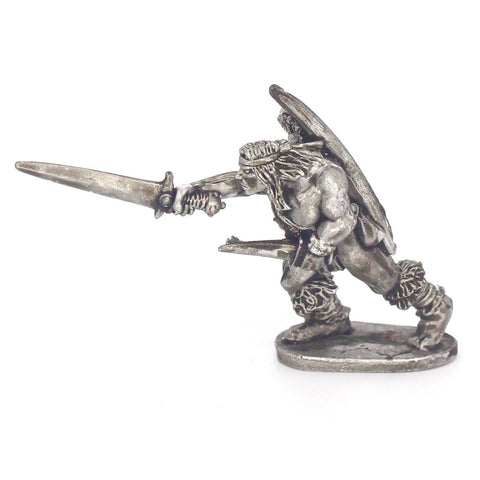 Barbarian Scout With Sword; Dagger & Bow (0119)