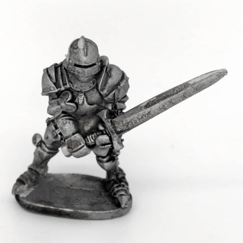 Medieval Knight Holding Sword (0262)