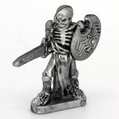 Skeleton with sword (0642)