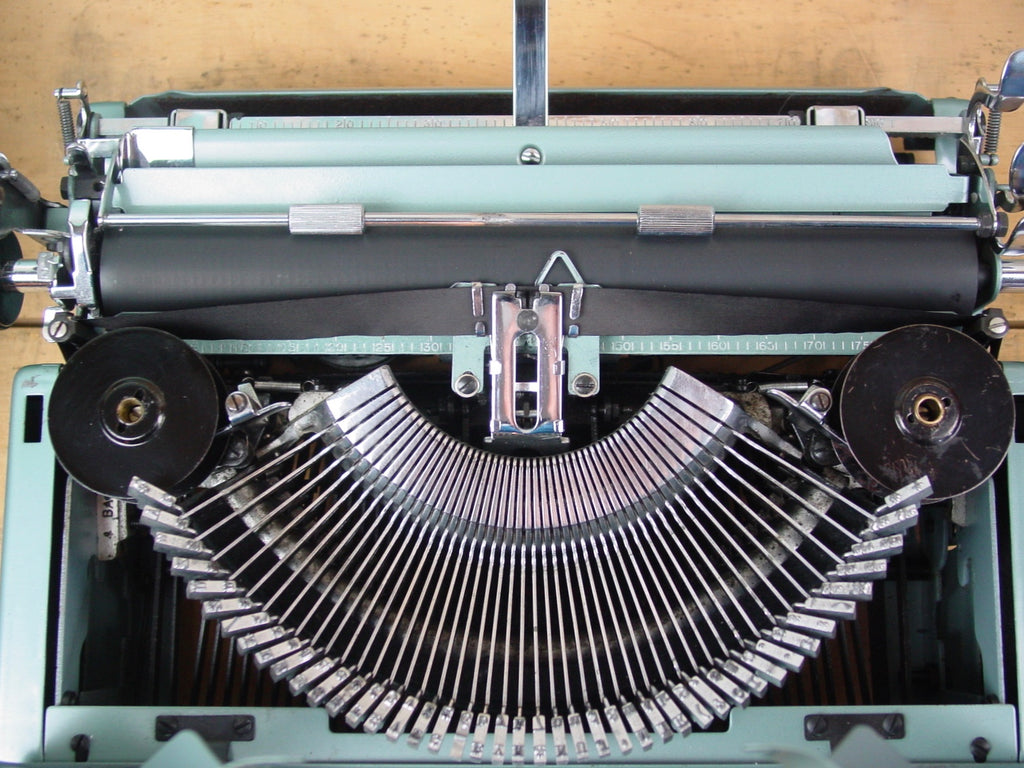 Typewriter - Imperial,  1960  - The Good Companion 4