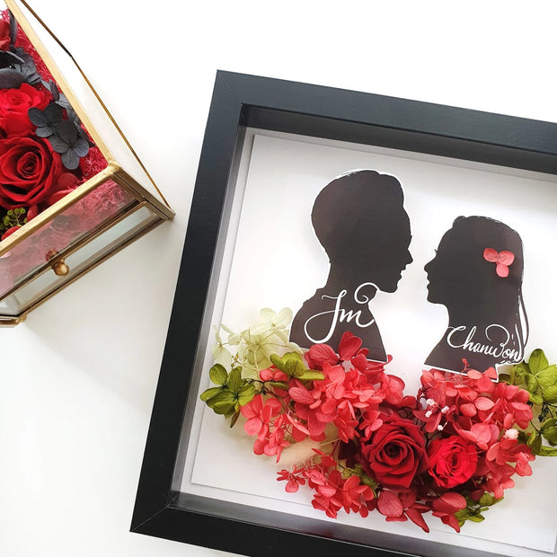 Artprint with Preserved Flowers-Vintage Couple Silhouette Portrait-Love Limzy Co.