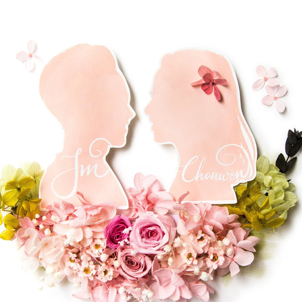 Artprint with Preserved Flowers-Vintage Couple Silhouette Portrait-Peach Pink-Classic Square ( 25 x 25 cm )-Love Limzy Co.