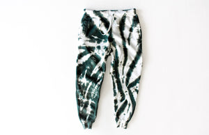 Tie dye jogger in green: tie dye loungewear set perfection!