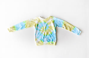 Kids tie dye raglan shirt in Lemon Lime: kids tie dye clothing by worthy threads