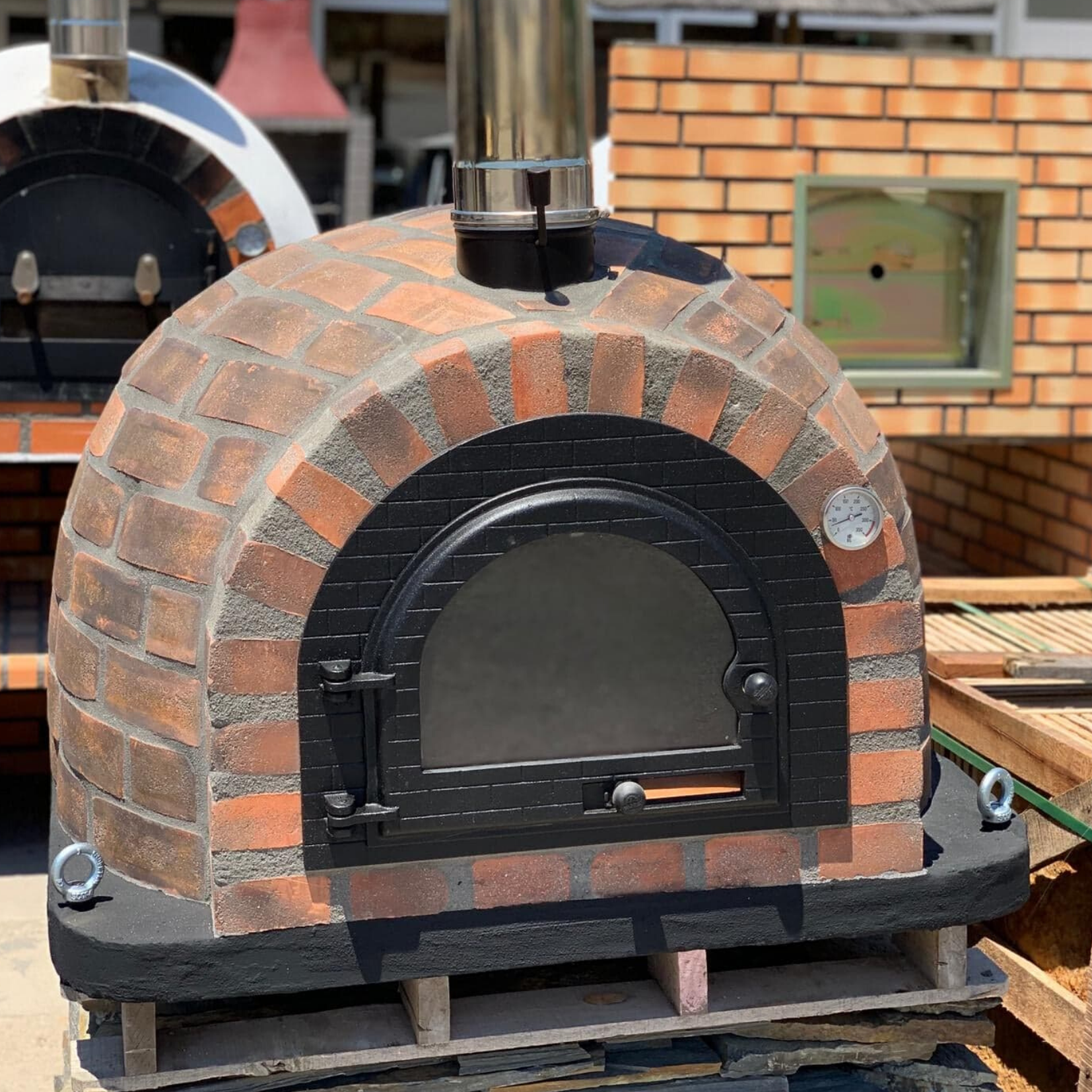 Traditional Wood Fired Brick Pizza Oven - Rústico Red
