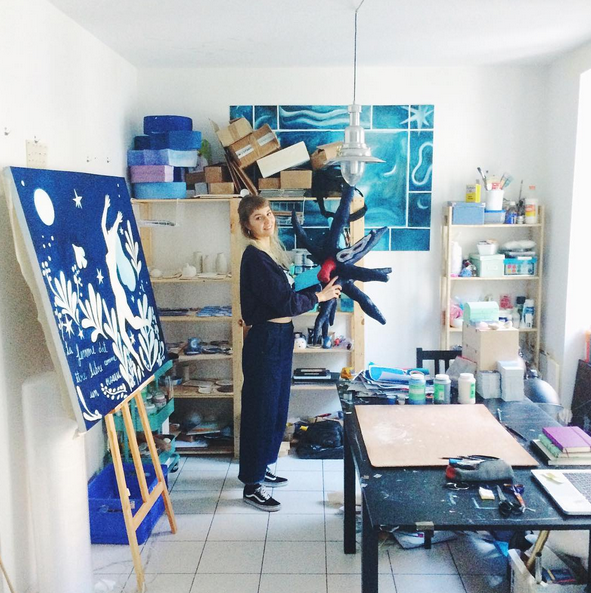 lisa junius in her studio