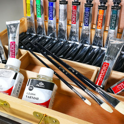 Studio Oil Paint Set - Large Wooden Box - 26 Pieces