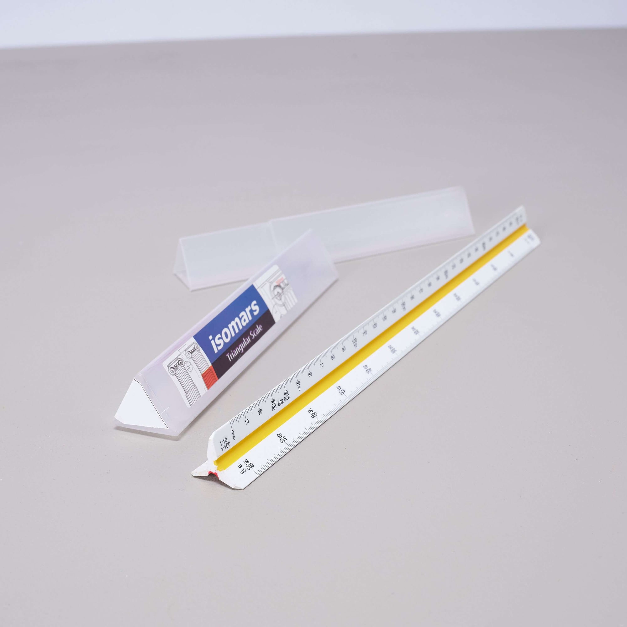 ARTdiscount ISOmars Triangular Scale Ruler - Metric - No.2