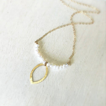 Leaf/Pearl Bar Necklace