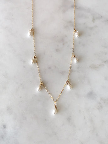 Scattered Drop Pearl Necklace