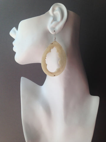Teardrop Series Natural Interior Muskox Horn Earrings