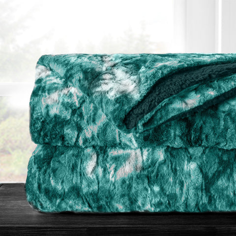 Italian Luxury Super Soft Faux Fur Throw Blanket - Elegant Cozy Hypoallergenic Ultra Plush Machine Washable Shaggy Fleece Blanket