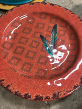 Feather dinner plate