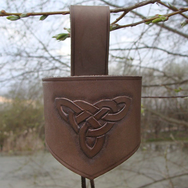 Carved Knots Leather Drinking Horn Holder
