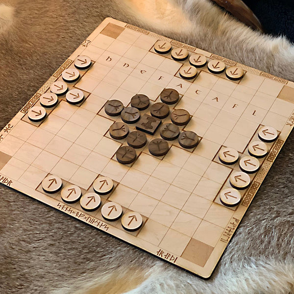 Hnefatafl Board Game - Wood Pieces