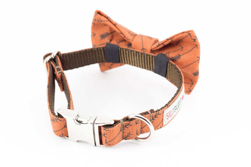 Cinnamon brown arrow print dog bowtie collar.