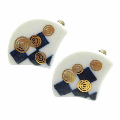 Nakagawa Pottery Cufflinks Uzumaki Check Ougi Cufflinks Wear your Unique Pottery Cufflinks by Hikari Nakagawa. They also are perfect gifts for groomsmen, friends, and husbands! Hikari made a new style, mixing with classic Japanese Design and Pop art. These Cufflinks are hand made in Japan. The cufflinks will come in a beautiful cufflink box.