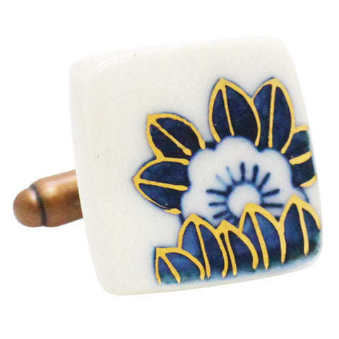 Nakagawa Pottery CufflinksBlossom & Leaf Shikaku CufflinksWear your Unique Pottery Cufflinks by Hikari Nakagawa. They also are perfect gifts for groomsmen, friends, and husbands! Hikari made a new style, mixing with classic Japanese Design and Pop art. These Cufflinks are hand made in Japan. The cufflinks will come in a beautiful cufflink box.
