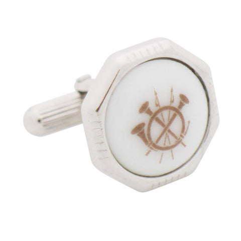 Royal Copenhagen Spear and Horn CufflinksRoyal Copenhagen meet Tokyo cufflinksRoyal Copenhagen – Purveyor to Her Majesty the Queen of Denmark since 1775. Manufacturer of hand-painted porcelain in dinnerware, figurines, collectibles. These Cufflinks are hand made in Japan from high-quality sturdy rhodium. The cufflinks will come in a beautiful cufflink box.