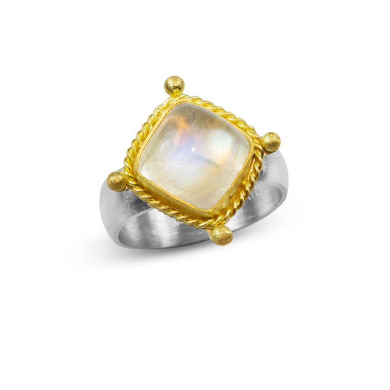 Renaissance Ring in Moonstone and 22K Gold