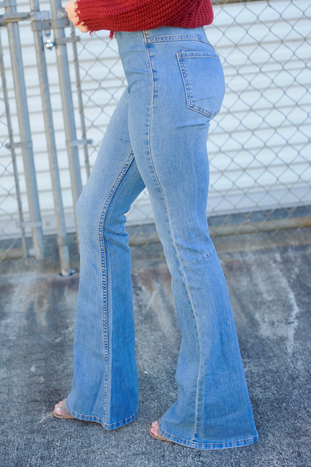Basic Denim Flare Jeans - Light Wash