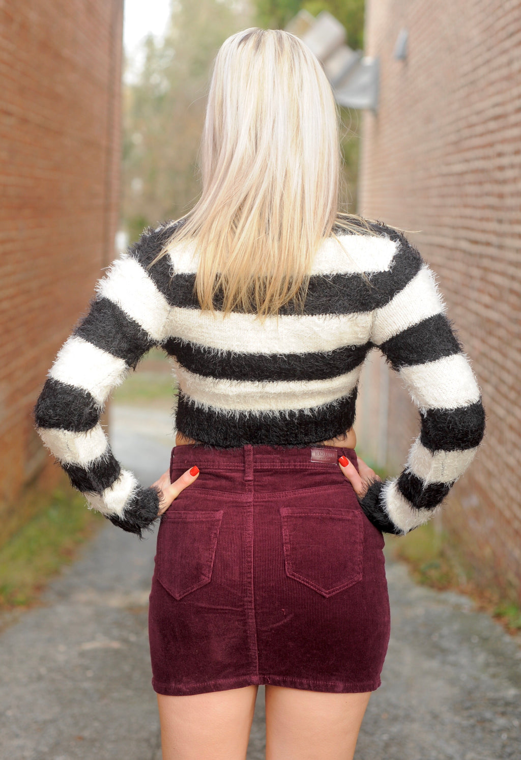 B&W Stripe Fuzzy Crop Top