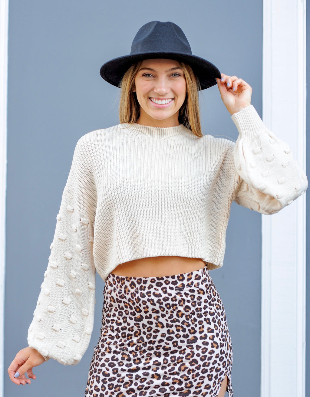 Ribbed Bubble Sleeve Cropped Sweater