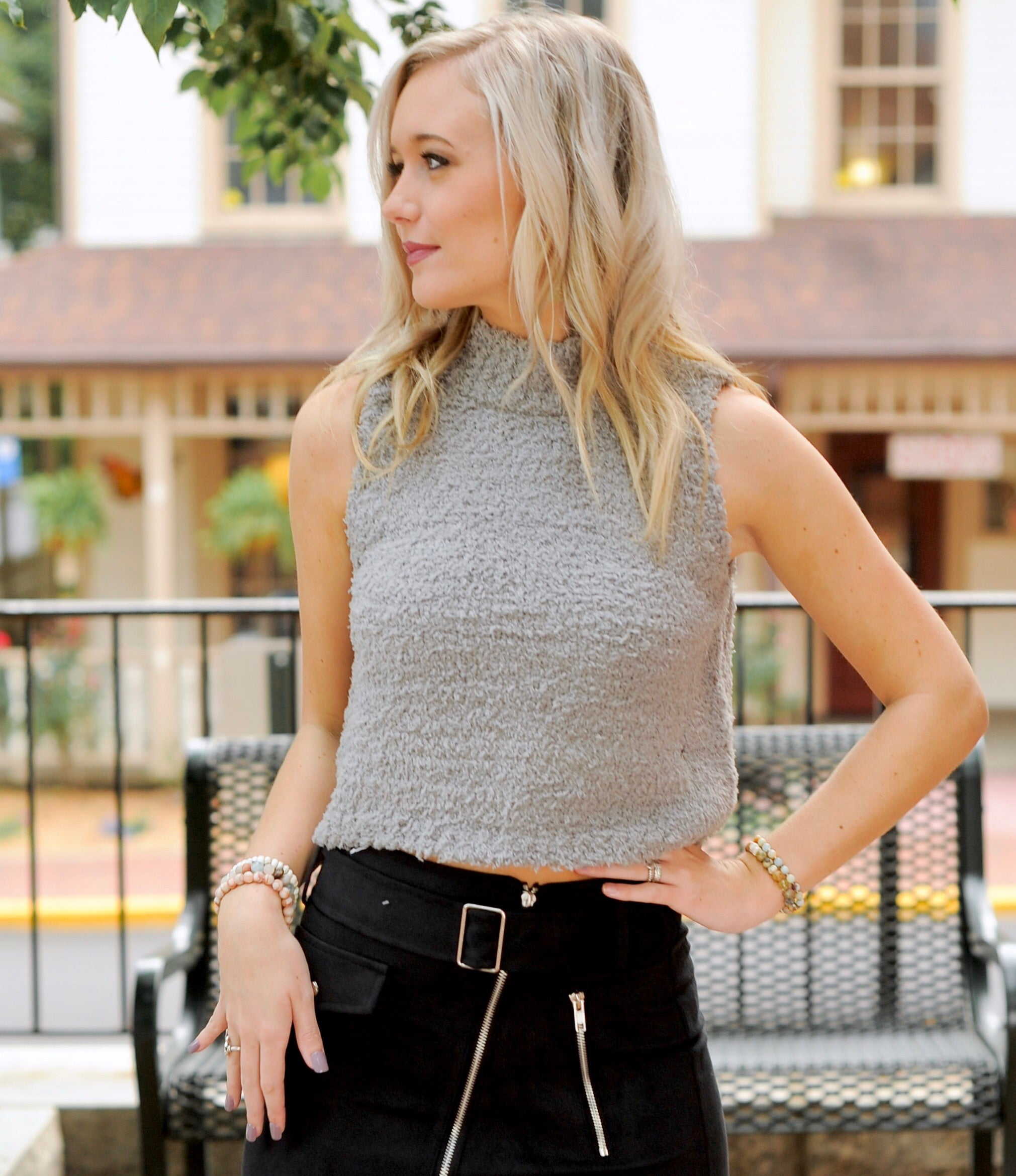Sleeveless Turtle Neck Top- Grey