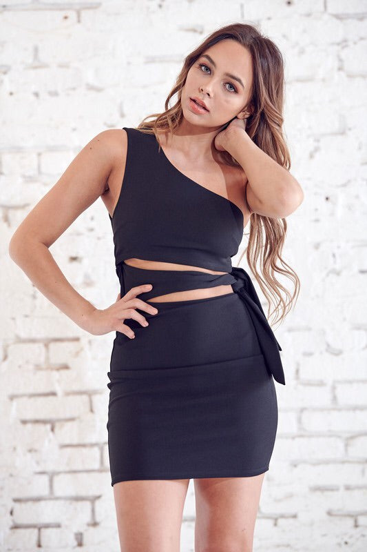 One Shoulder Waist Tie Dress