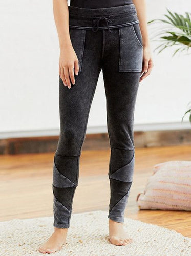 FREE PEOPLE KYOTO LEGGING IN WASHED BLACK