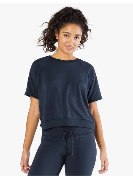 BEYOND YOGA SOLID CHOICE SHORT SLEEVE PULLOVER NOCTURNAL NAVY