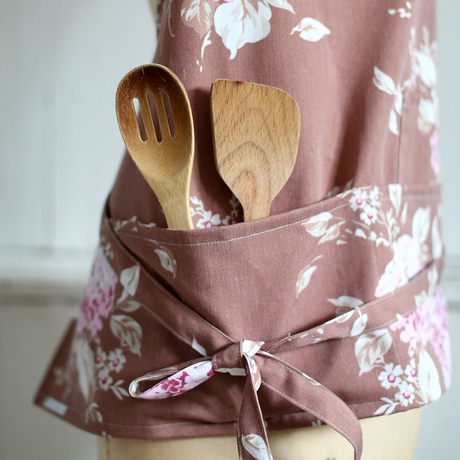 Mocha Bloom Apron